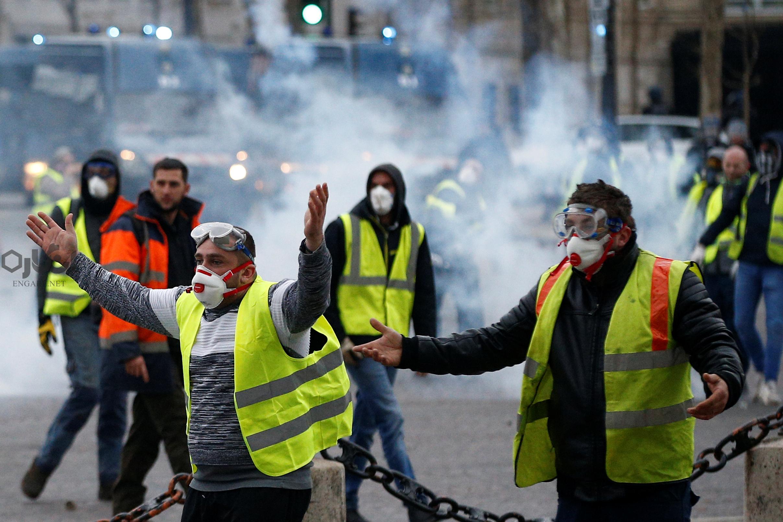 2018 12 01T120243Z 2 LYNXNPEEB0245 RTROPTP 4 FRANCE PROTESTS - «جلیقهزردها» چه میخواهند؟ - ناآرامیهای پاریس, مکرون, ریاست جمهوری فرانسه, جنبش اعتراضی پاریس, جنبش اعتراضی, جلیقه زردهای فرانسه, جلیقه زردها, جلیقه زرد پاریس, اعتراضات فرانسه, اعتراضات پاریس